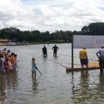 Duck race in Nuenen: 5,000 Euro for charity