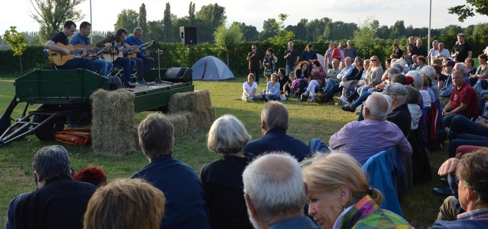 Gipsy jazz in the open air in Gerwen