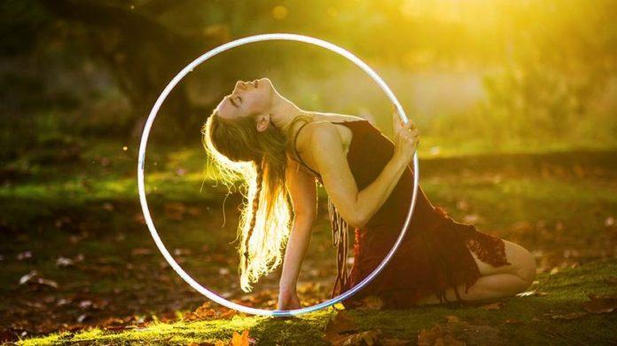 Hoop Dance - Flowmies - Hoop show