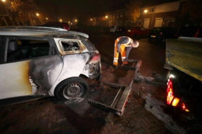 car on fire, steenbokstraat, no one injured.