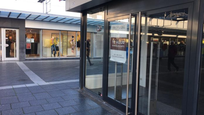 woenselxl, empty shop, shopping centre