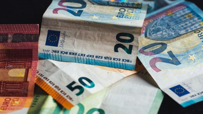 cash, fined, euros