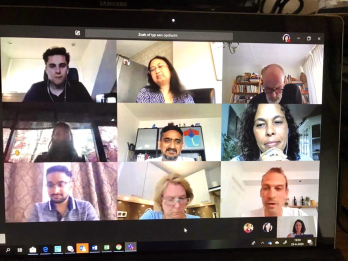 international students meeting