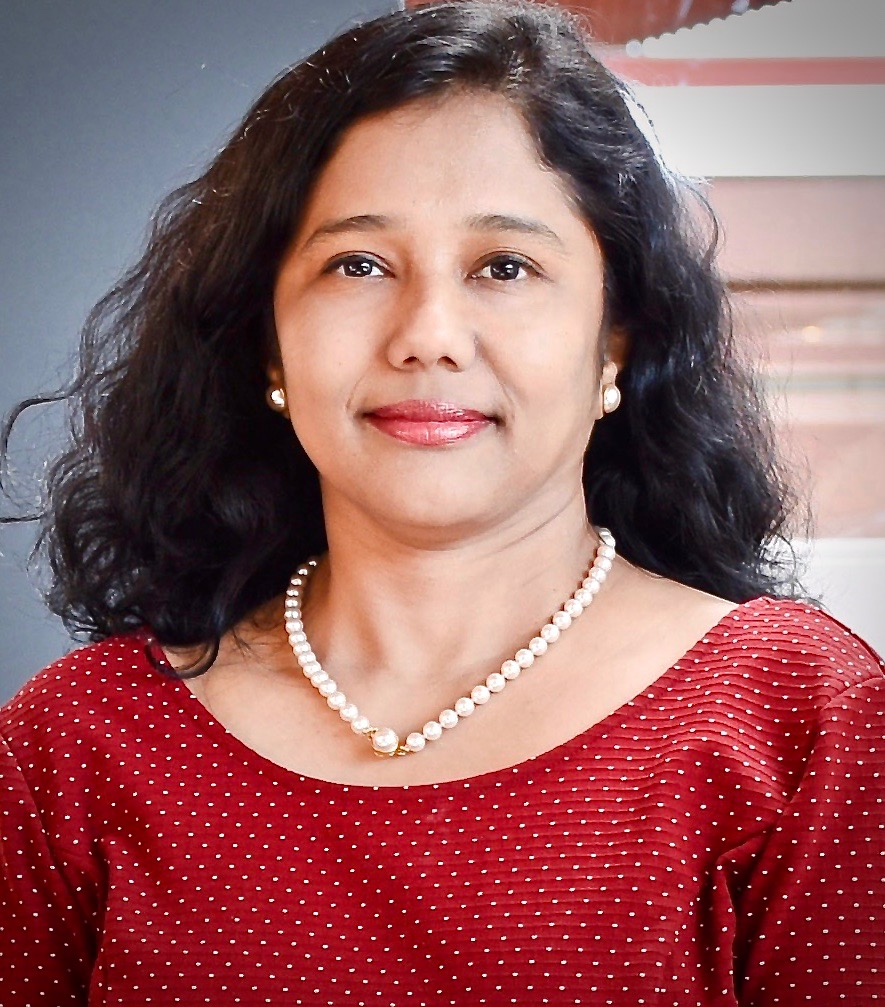 Beena Arunraj, Features Editor-in-Chief