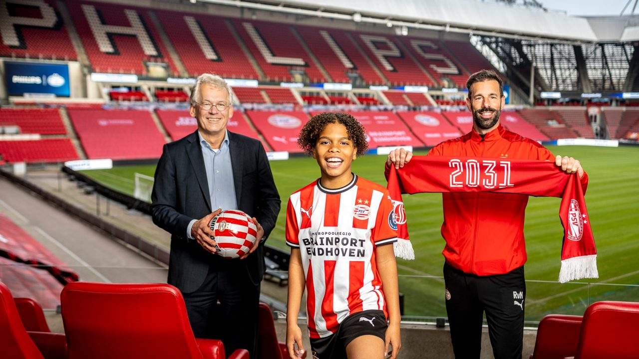 Philips Recommits To Psv Eindhoven News