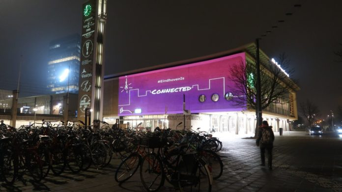 Students light up Eindhoven Station