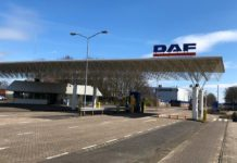 DAF profit is cut into half due to corona