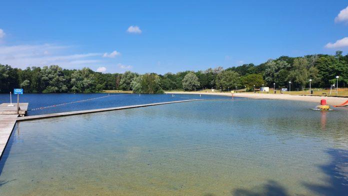 Neunen beach pool